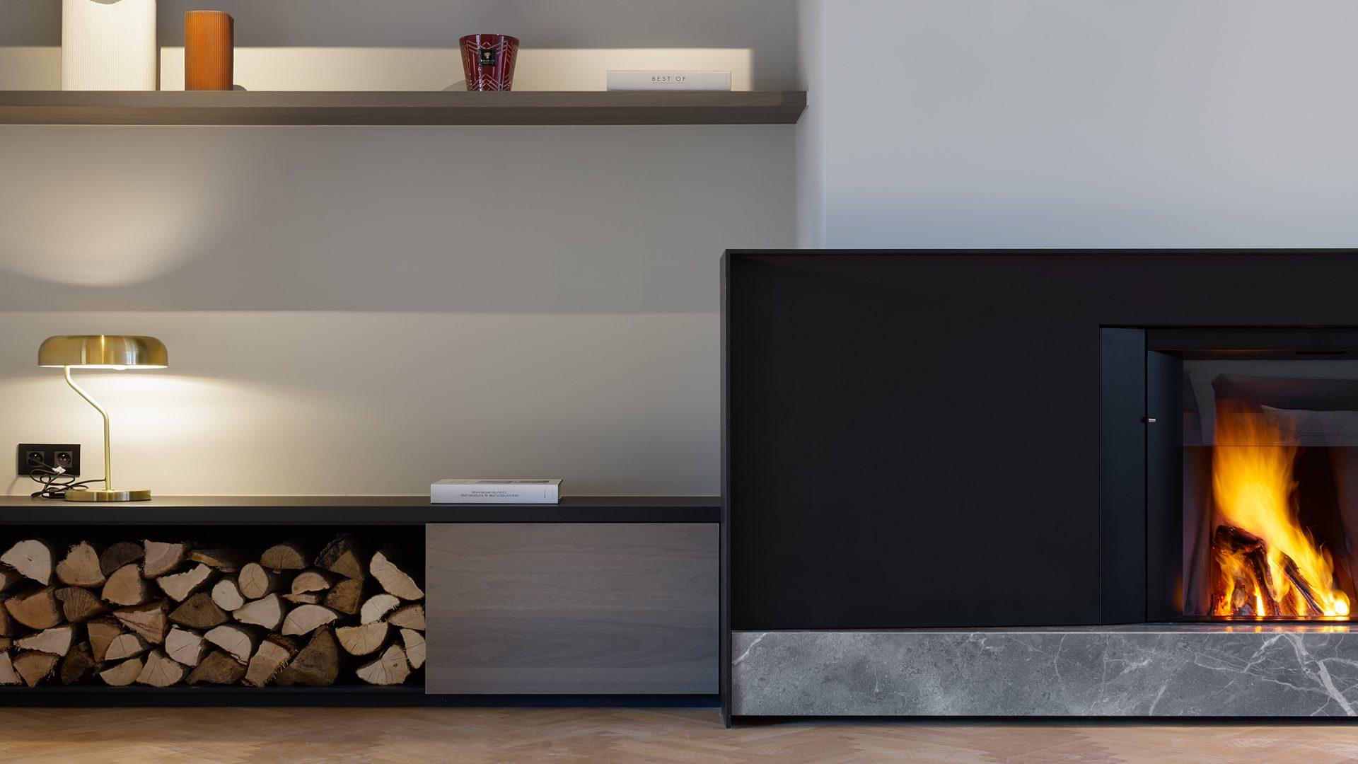 Stûv microMéga avec socle en marbre et meuble en noyé